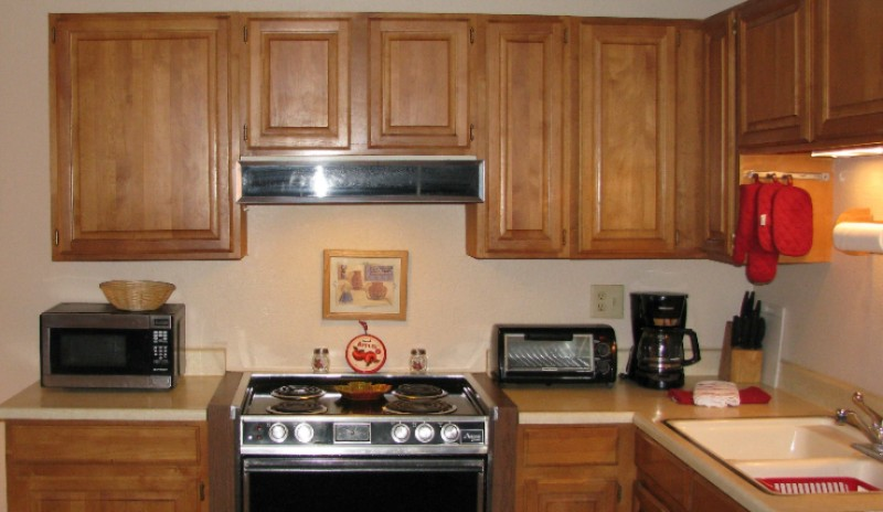 Extended Stay Suite Kitchen 8 of 16