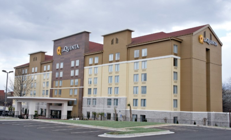 La Quinta Inn & Suites Atlanta Airport North 1 of 9