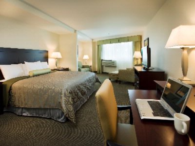 Spacious Guest Rooms 4 of 11