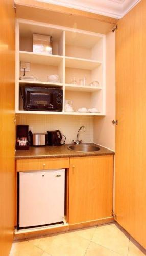 Kitchenette-Suite 5 of 13