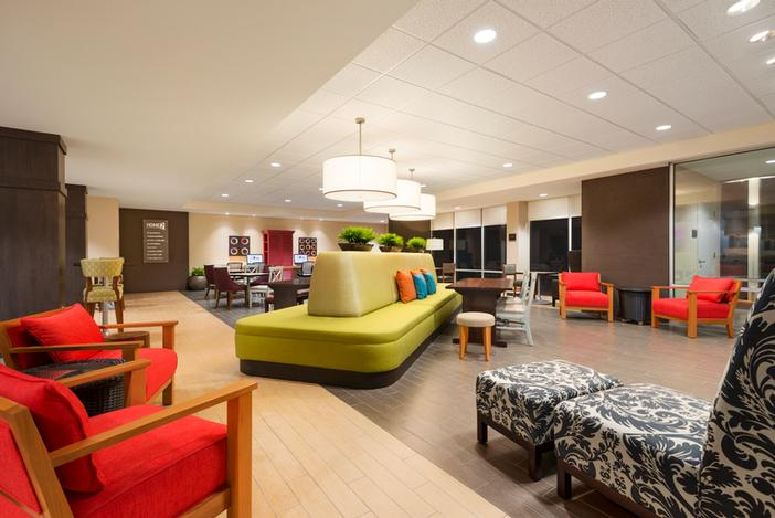 Home2 Suites by Hilton Forest Park