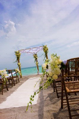 Get Married On The Hollywood Beach That We Are Attached To. 17 of 17