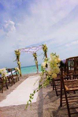 Get Married On The Hollywood Beach. 6 of 17