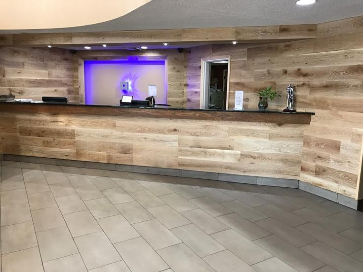 Front Desk 15 of 24