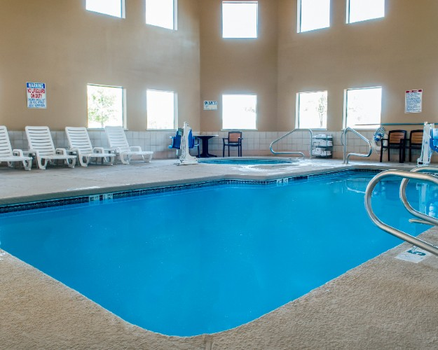Heated Indoor Pool And Spa 7 of 15