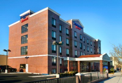 Fairfield Inn New York Laguardia Airport / Astoria Exterior