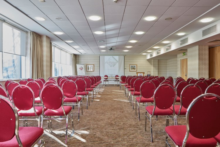 Dunraven Meeting Room 14 of 16