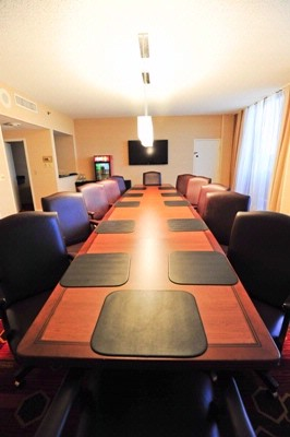 A Perfect Sized Boardroom 14 of 22
