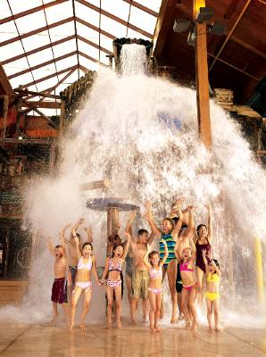 Experience Bear Track Landing Indoor Waterpark! 3 of 11