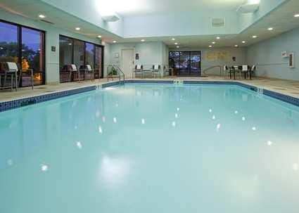 Indoor Swimming Pool 4 of 9