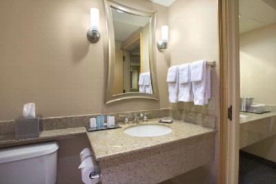 Each Of Guestroom Bath Features Crabtree And Evelyn Amenities 24 of 31