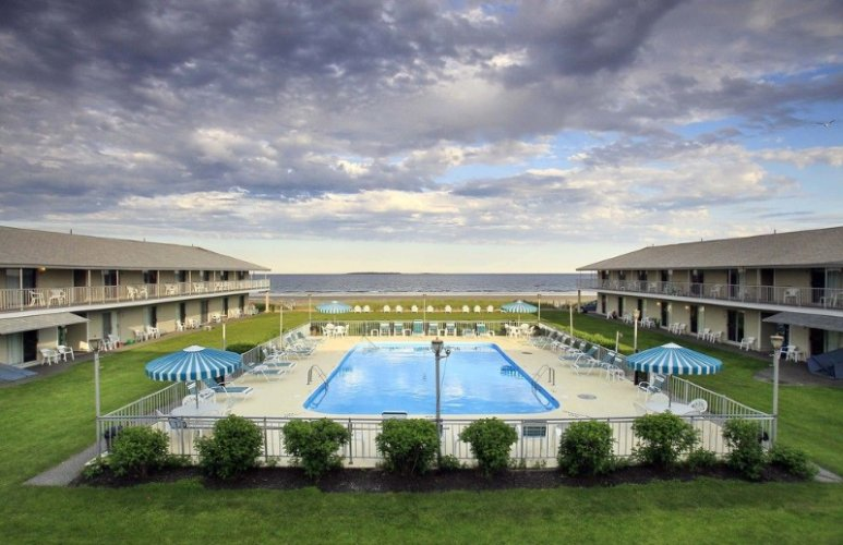 Friendship Oceanfront Suites 167 East Grand Ave Old Orchard Beach Me 04064