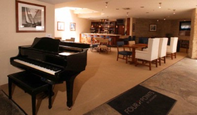 Lounge With Baby Grand Piano 17 of 31