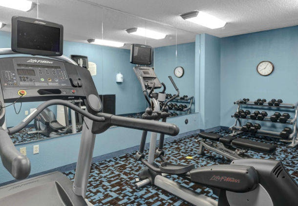 Keep With Your Daily Routine In Our 24-Hour Fitness Center! 12 of 15