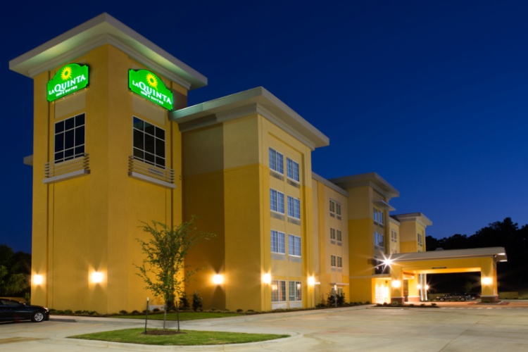 La Quinta Inn & Suites 1 of 8