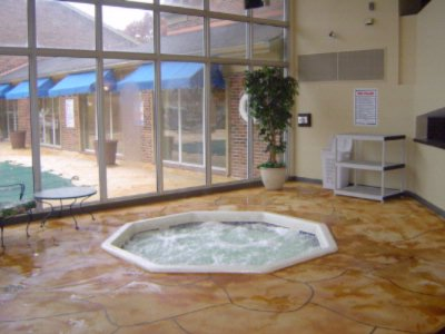 Indoor Jacuzzi 3 of 10