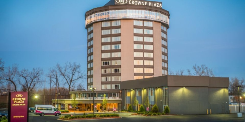 Crowne Plaza Saddle Brook 1 of 22