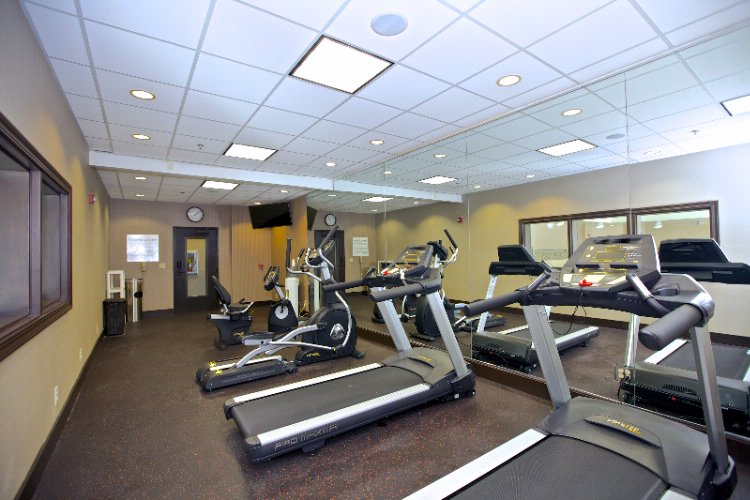 Holiday Inn Express & Suites Fitness Center 6 of 8