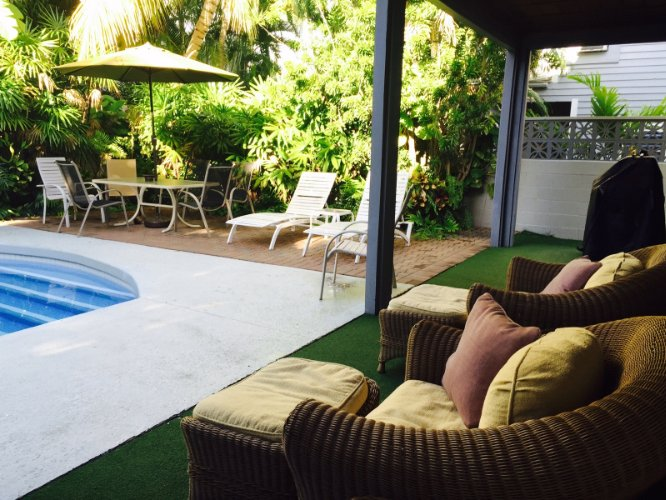 Pool Area 14 of 15