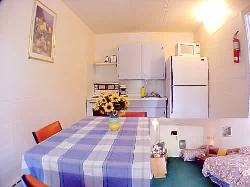 2 Double Beds With Kitchen 5 of 10