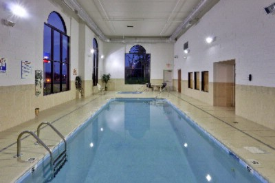 Indoor Pool & Whirlpool 10 of 12