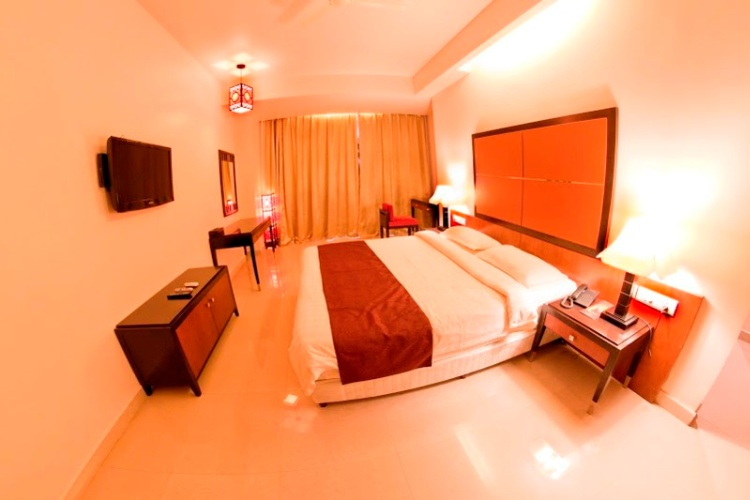 Executive Room 7 of 12