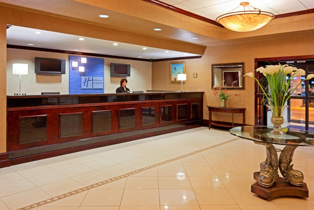 Spacious Front Lobby 2 of 4