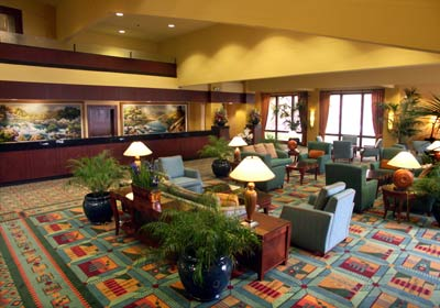 Large Lobby With Wi-Fi! 4 of 7