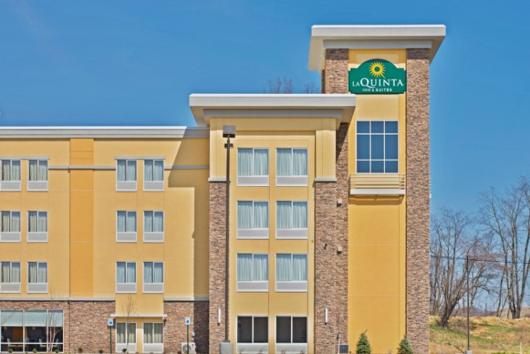 La Quinta Inn & Suites 1 of 20