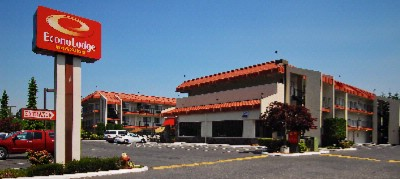 Econo Lodge Inn & Suites 1 of 8
