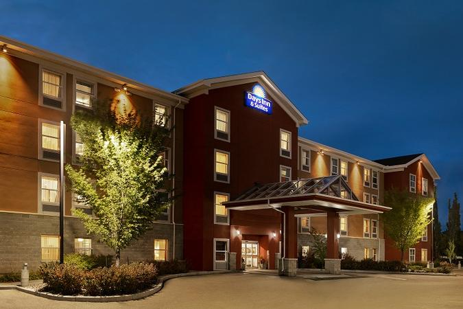 Days Inn by Wyndham Sherwood Park Edmonton 1 of 13
