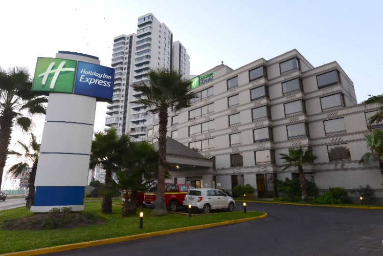 Holiday Inn Express Iquique 1 of 10