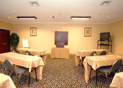 1000 Sq. Ft. Meeting Space Including All The Ammenities For Your Next Business Meeting Or Family Reunion. 3 of 8