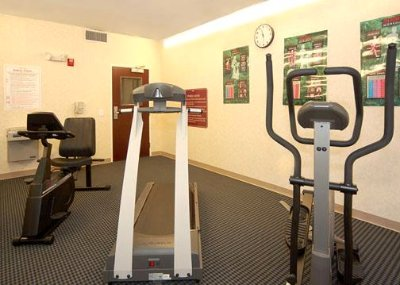 Fitness Center With All The Equipment You Need To Stay Fit During Work Or Play! 4 of 8