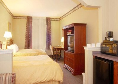 Every Suite Includes A Wet Bar With Cabinet Space Microwave Refrigerator And Coffee Maker! 7 of 8