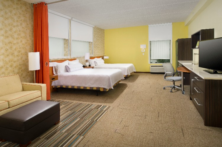 Double Queen Studio Suites Have Two Queen Sized Beds And A Pull Out Sleeper Sofa 3 of 11