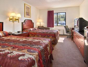 Double Queen Room -American Elite Inn Hazard Ky 5 of 6