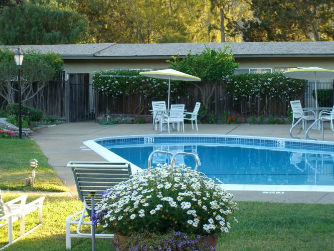 Contenta Inn Pool And Spa 7 of 8