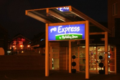 Holiday Inn Express Cardiff Bay 1 of 11
