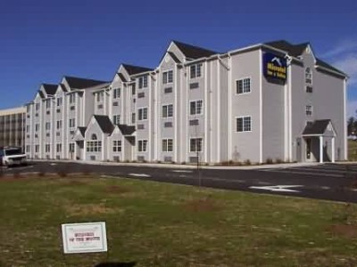 Microtel Inn & Suites by Wyndham Thomasville / Hig 1 of 5