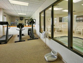 Fitness Center 7 of 28
