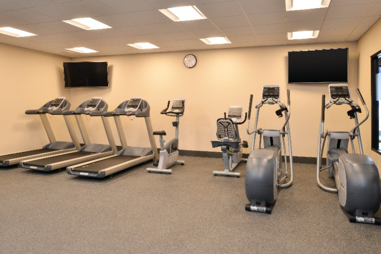 Fitness Center 8 of 31
