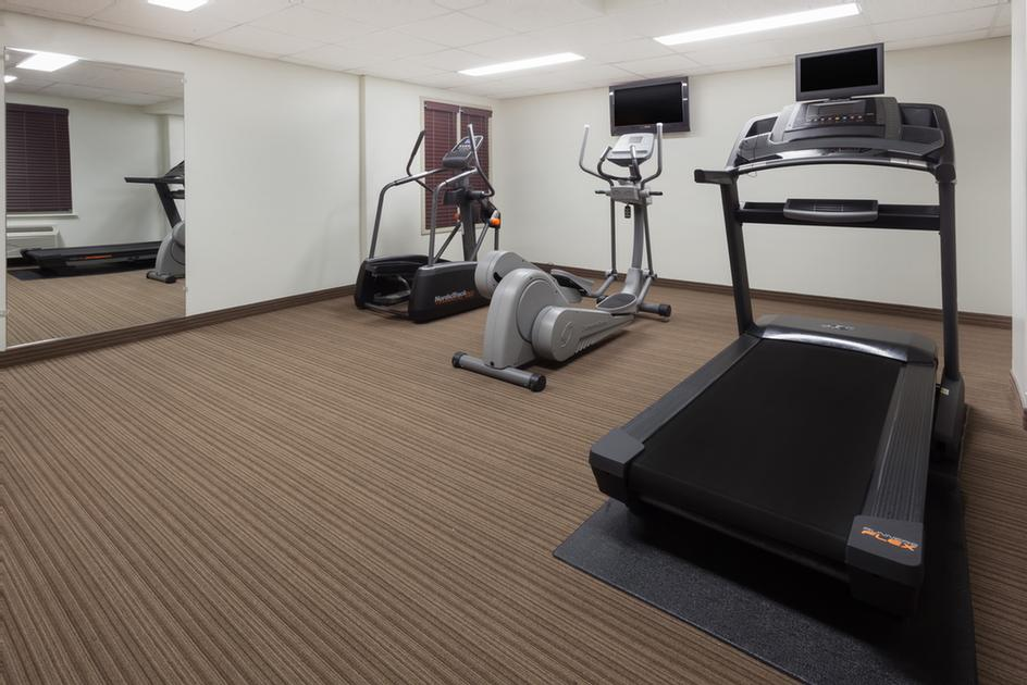 Fitness Room 12 of 16