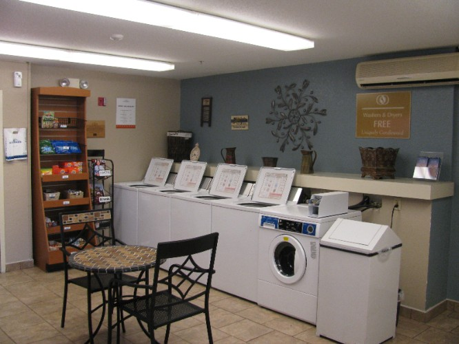 Complimentary Washers & Dryers 13 of 17
