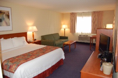 Spacious Guest Rooms With 32\