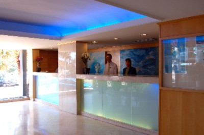 Blue Waters Hotel Reception 5 of 7