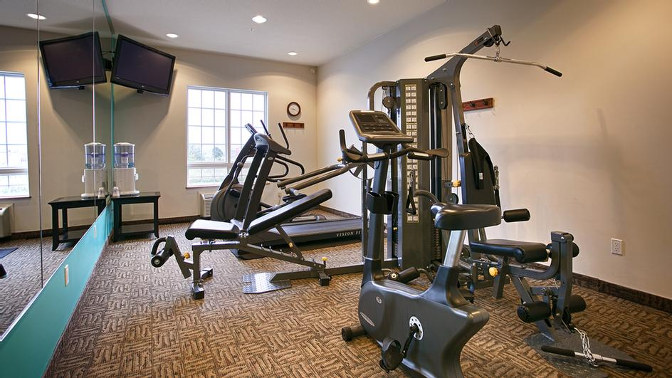 Fitness Room 3 of 5