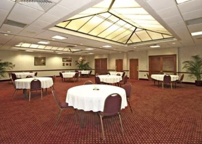 Large Space For Receptions Parties Anniversaries And Business Meetings 7 of 10
