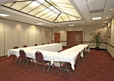 Meeting Room With U-Shaped Setup 8 of 10