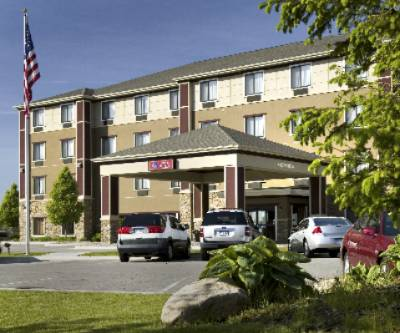 Comfort Suites Grand Rapids North 1 of 11